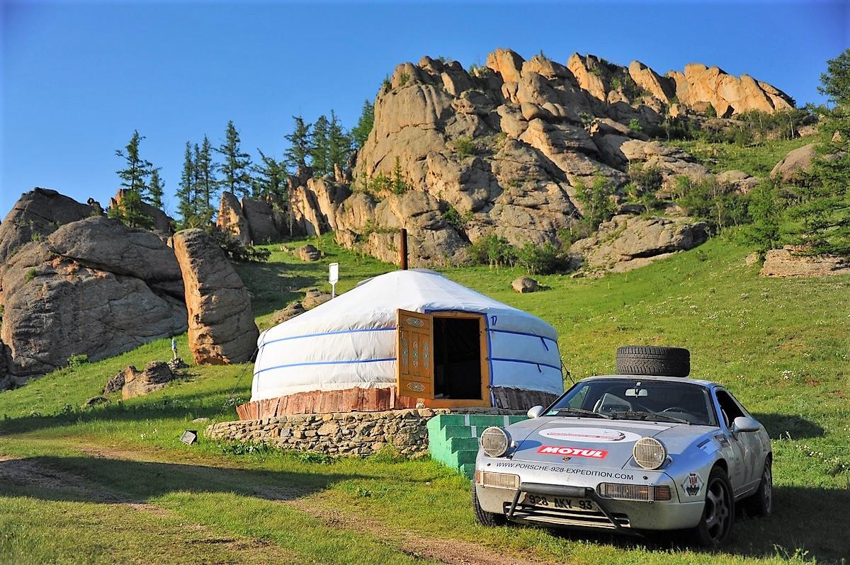 Porsche 928 Expedition Mongolie Ulan Bator Gengis Khan Parc