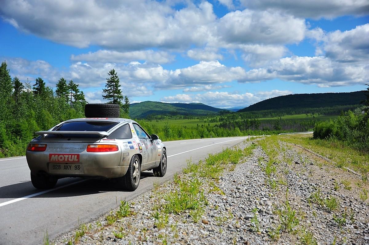 Russie Route Transsibérienne Porsche 928 Expedition