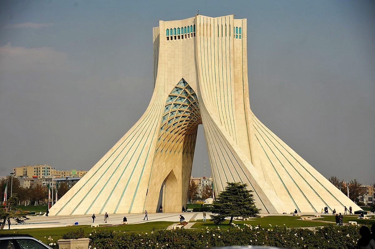 Porsche 928 expedition Téhéran Porsche Téhéran Musée voitures Shah d'Iran